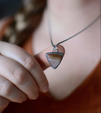 Load image into Gallery viewer, Triangle Agate Quartz Necklace