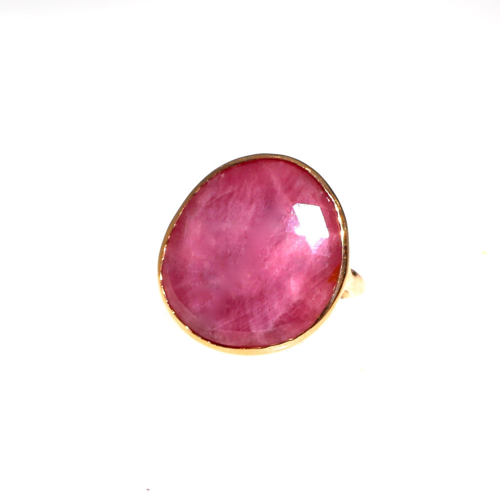 Pink Sapphire Ring 18K Gold