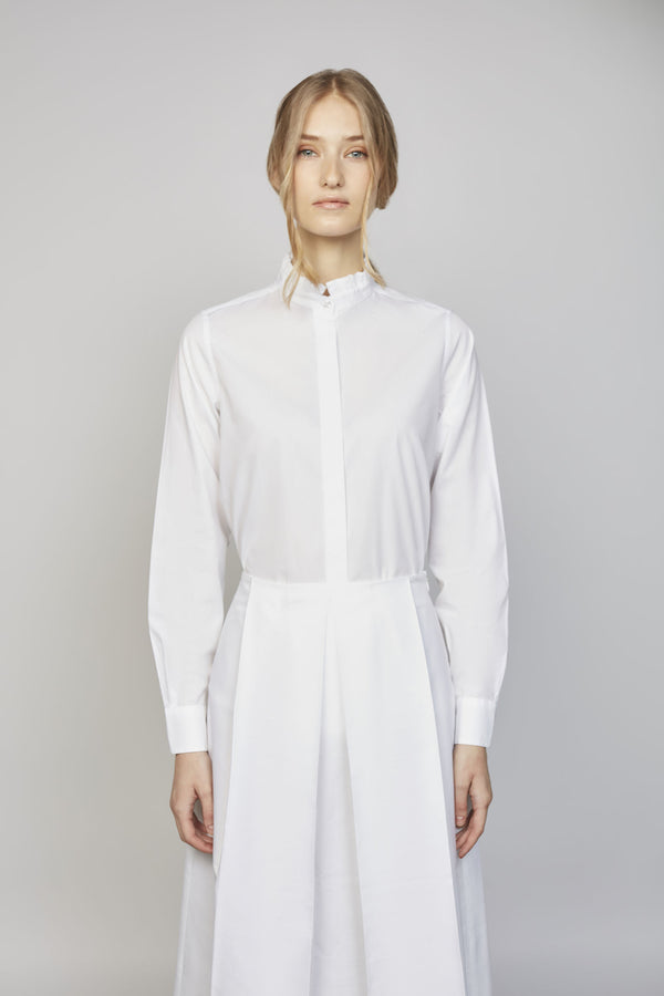 TUESDAY 02F | WOMEN'S WHITE RUFFLE SHIRT