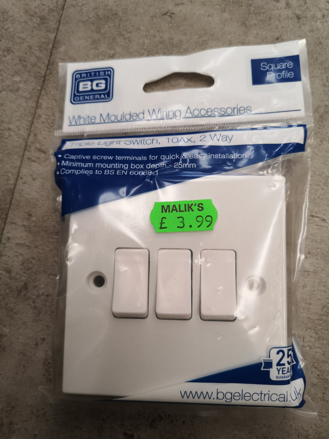 Triple Light Switch 10AX, 2 Way
