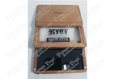 RYOT (5¾ Inches X 3½ Inches) 3 Peice Magnetic Brown Wood Sifter Box With Logo on Lid