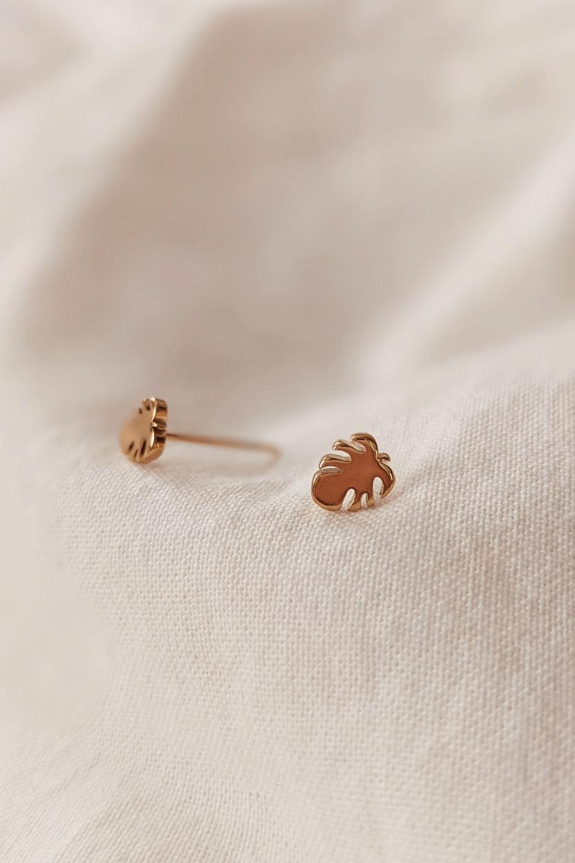 Monstera - High Quality Gold Earrings by Mimi & August