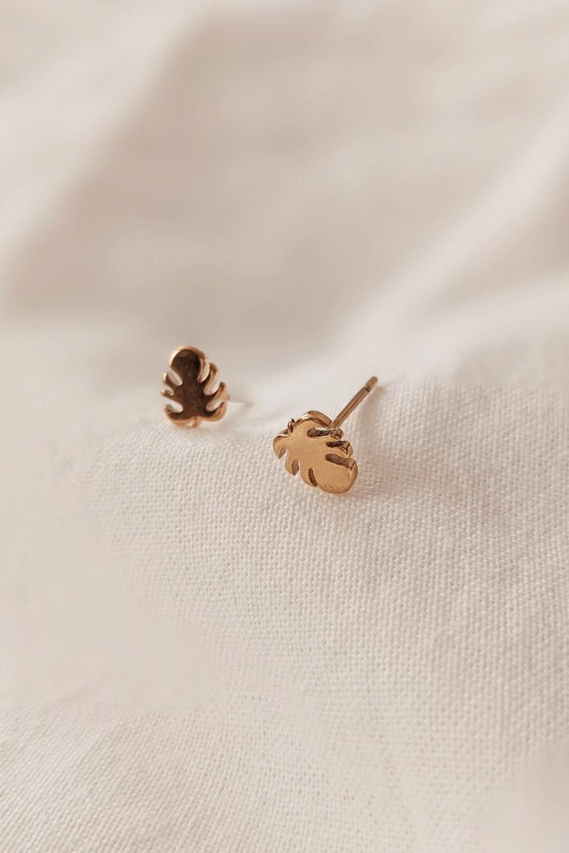 Monstera is a beautiful yellow Gold Earring by Mimi & August