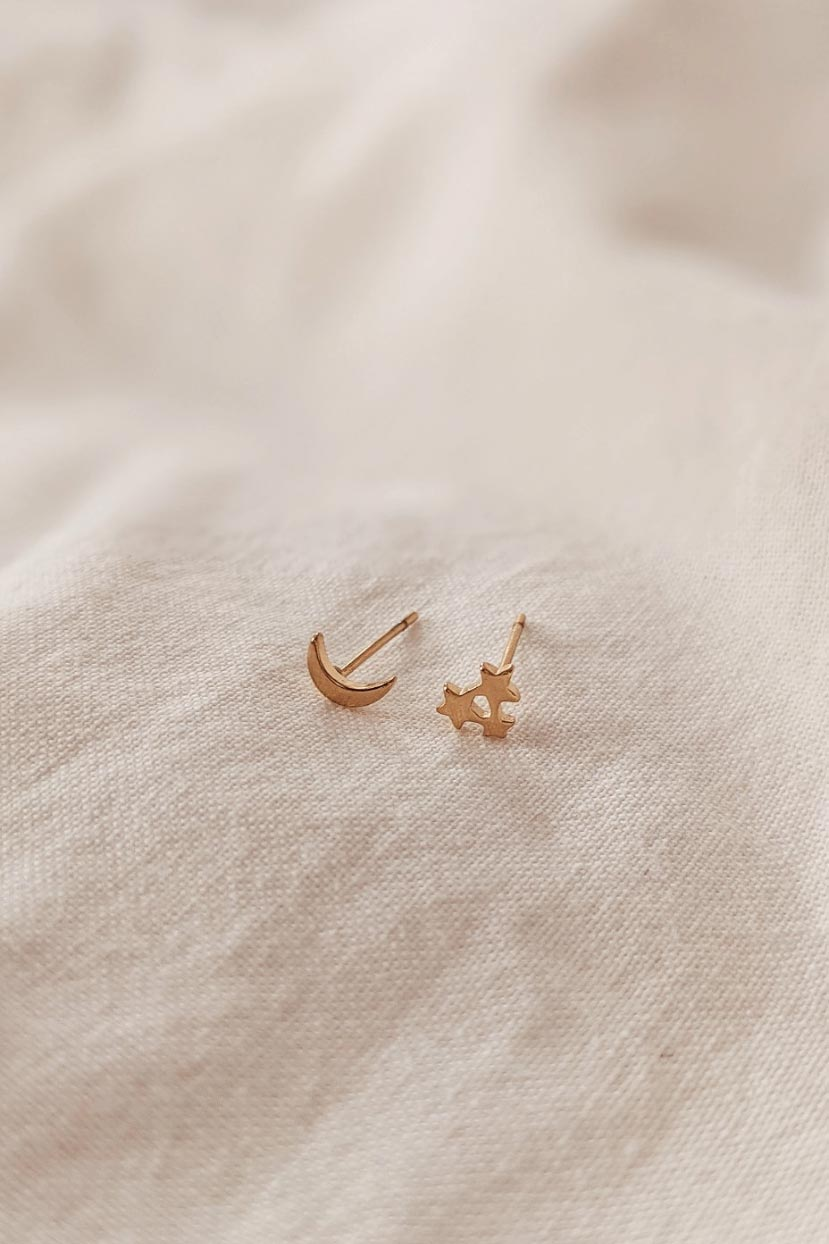 Moon Star is a beautiful yellow Gold Earring by Mimi & August
