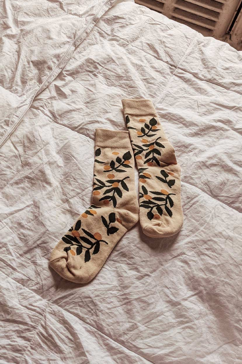 Les petits bas - mandarin sock in bed by mimi & august