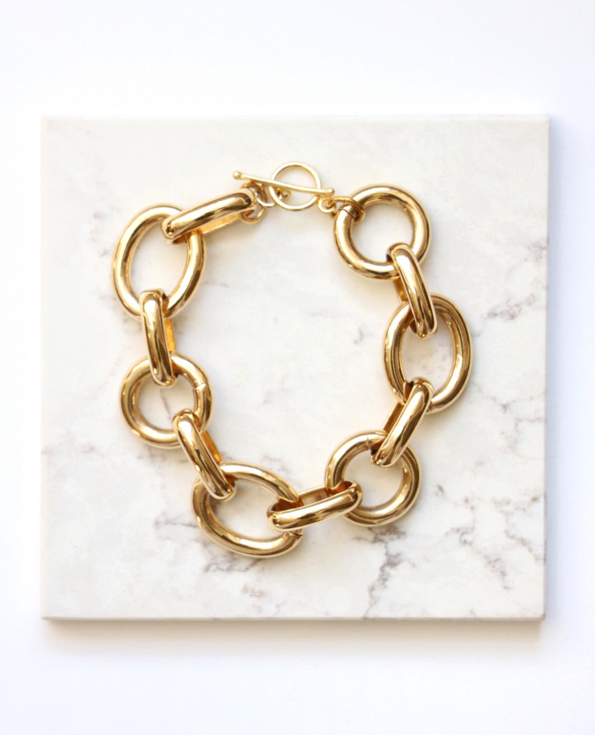 gold link bracelet, oval link bracelet, what to wear to a wedding, gold bracelet