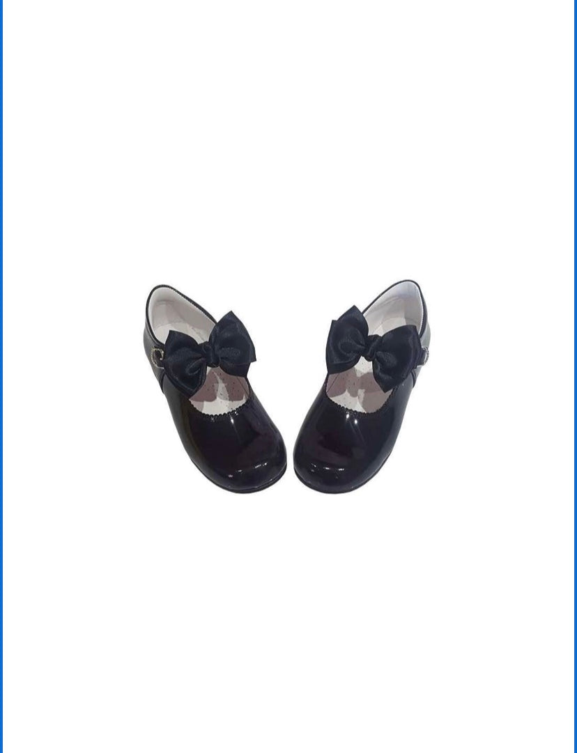 Black MARY JANES IN PATENT BUTTERFLY BOW BAMBI SHOES