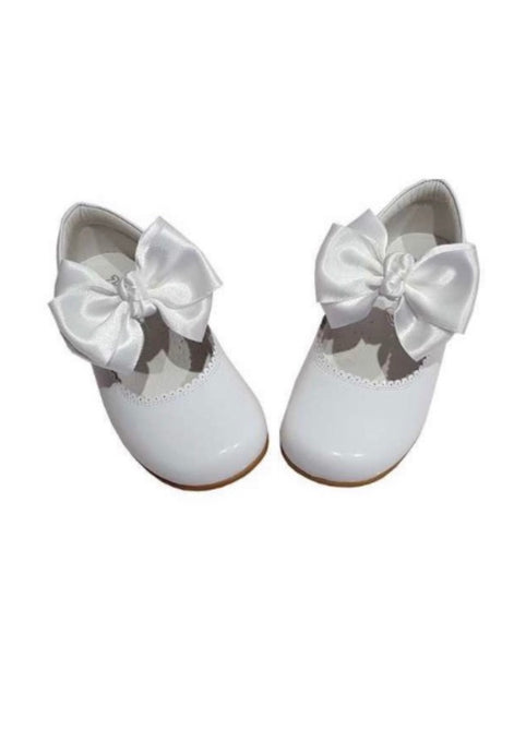 White MARY JANES IN PATENT BUTTERFLY BOW BAMBI SHOES