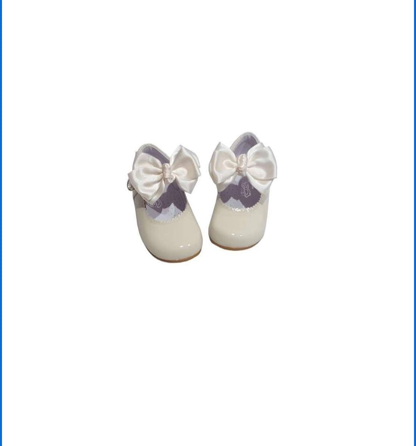 Cream MARY JANES IN PATENT BUTTERFLY BOW BAMBI SHOES