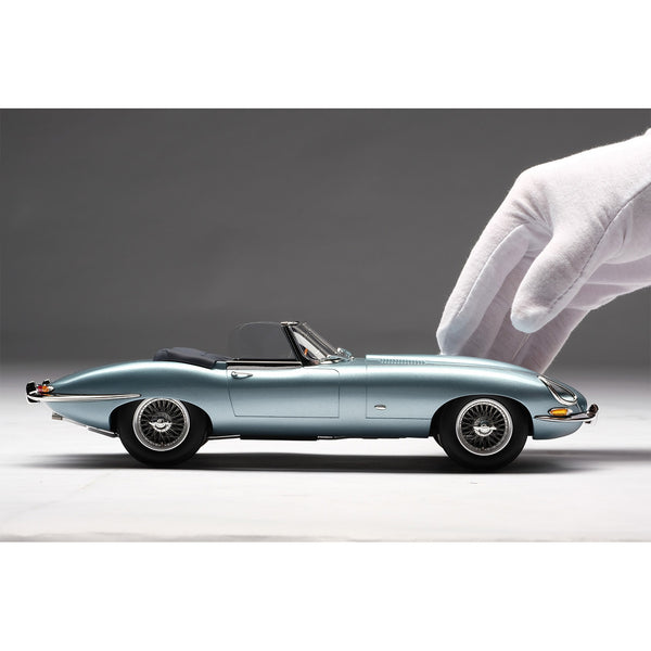 Jaguar E-Type Roadster 1:18 Scale