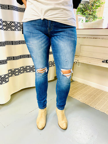 Kancan High Rise Distressed Skinny Jeans