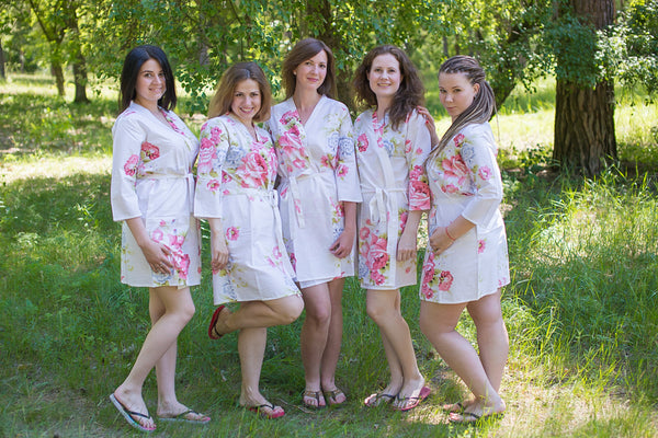 Cabbage Roses Pattern Bridesmaids Robes|White Cabbage Roses Pattern Bridesmaids Robes|Cabbage Roses