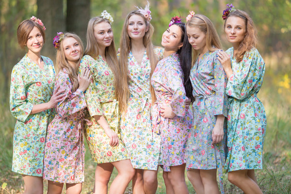 Mismatched Happy Flowers Patterned Bridesmaids Robes in Soft Tones|Mismatched Happy Flowers Patterned Bridesmaids Robes in Soft Tones|Mismatched Happy Flowers Patterned Bridesmaids Robes in Soft Tones|Happy Flowers