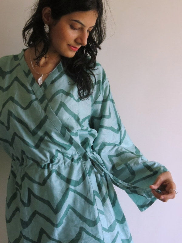 New *String Robe* Knee Length Maternity Hospital Gown