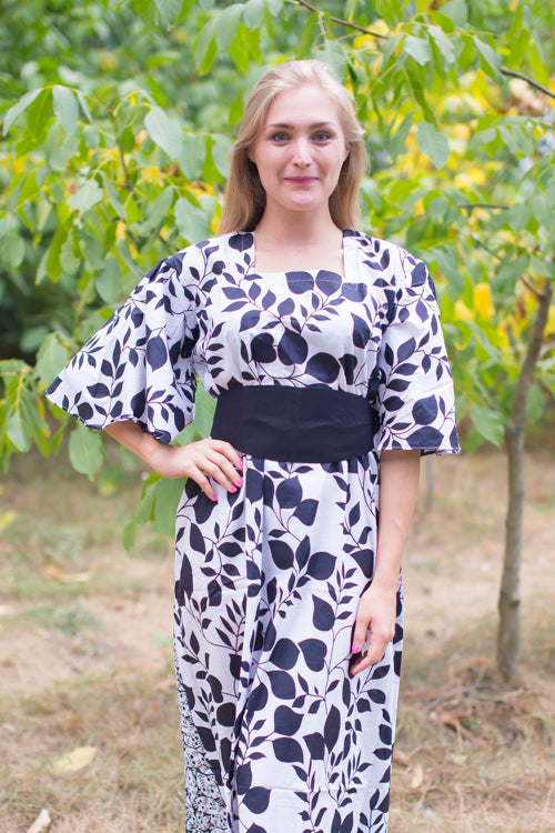 White Beauty, Belt and Beyond Style Caftan in Classic White Black|White Beauty, Belt and Beyond Style Caftan in Classic White Black|Climbing Vines