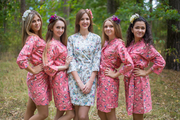 Vintage Chic Floral Pattern Bridesmaids Robes|Vintage Chic Floral Pattern Bridesmaids Robes|White Vintage Chic Floral Pattern Bridesmaids Robes|Coral Vintage Chic Floral Pattern Bridesmaids Robes|2|3|Coral Vintage Chic Floral Pattern Bridesmaids Robes
