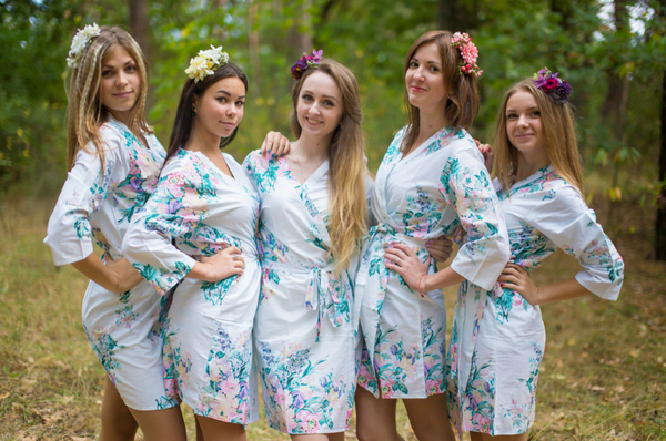 White Blooming Flowers Pattern Bridesmaids Robes