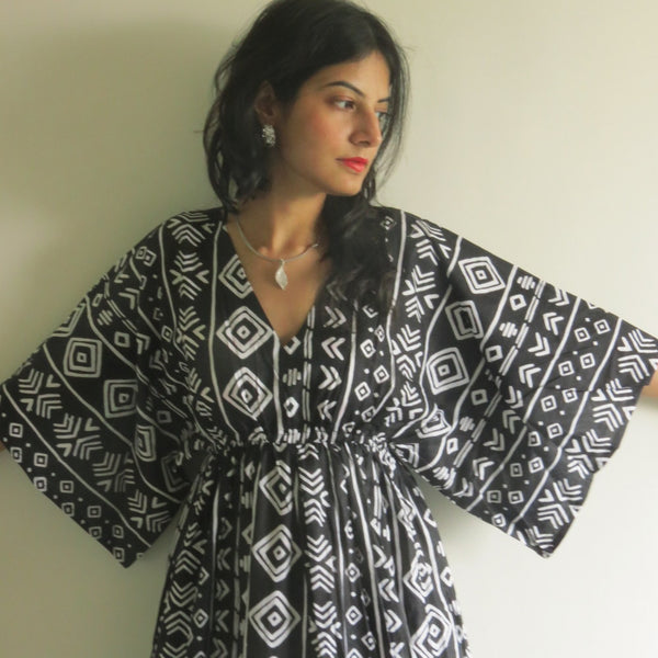 Black I Wanna Fly Style Caftan in Tribal Aztec Pattern|Black I Wanna Fly Style Caftan in Tribal Aztec Pattern|Tribal Aztec