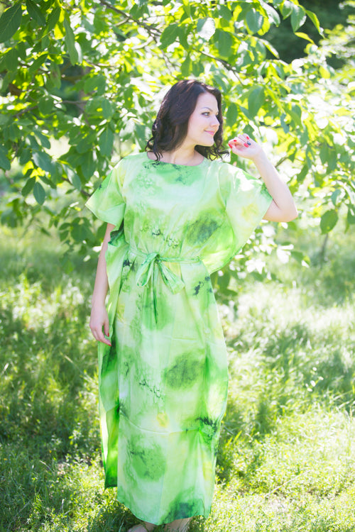 Green Divinely Simple Style Caftan in Watercolor Splash Pattern|Green Divinely Simple Style Caftan in Watercolor Splash Pattern|Watercolor Splash