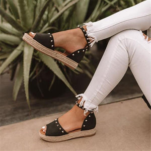Summer Flat Rivet Buckle With Student Sandals