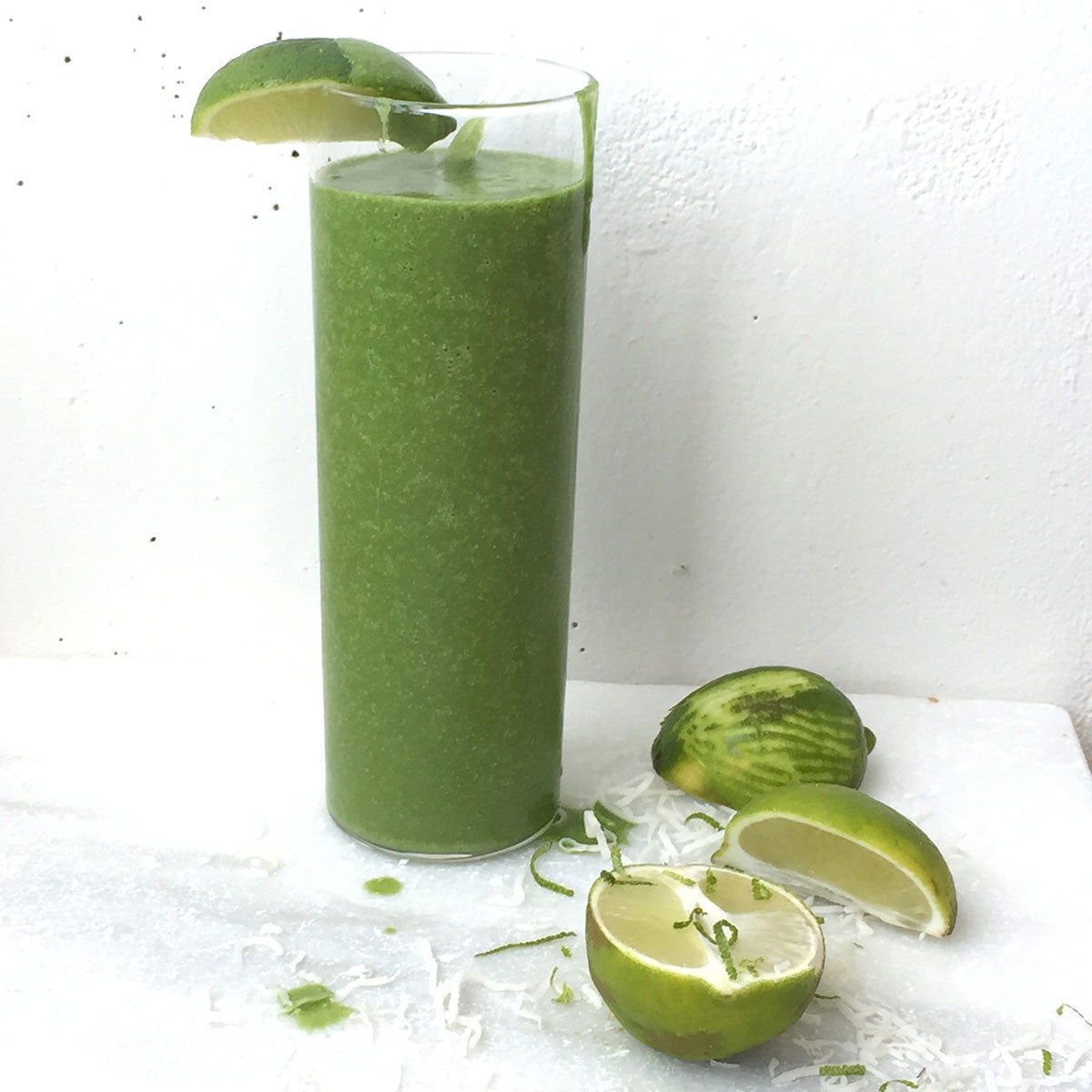 COLLAGEN BOOSTING COCOMANGO GREEN SMOOTHIE ~ KATE HORSMAN