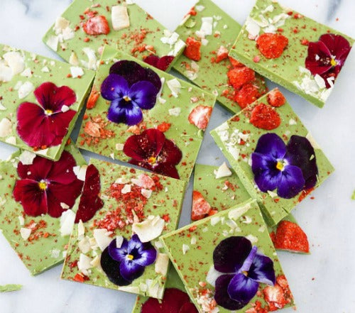 Matcha Chocolate Bark by Hey there sugar