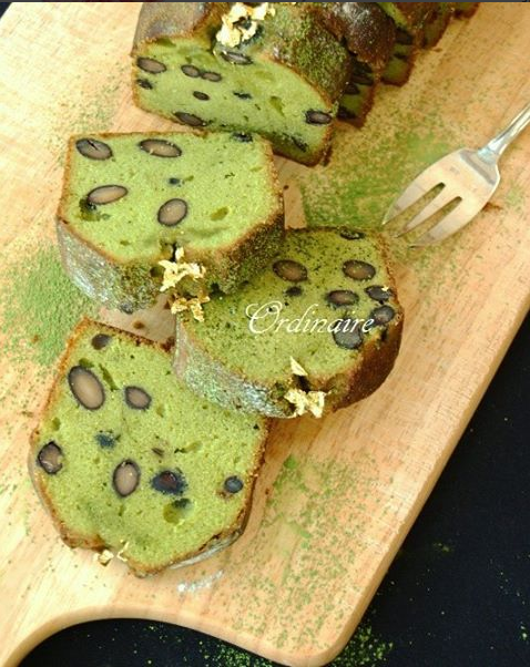 French-styled pound cake with matcha green tea, kuromame / chocolate chips
