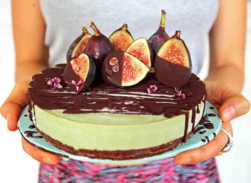 Matcha Chocolate Fig Vegan Raw cheesecake recipe by @datesandavocados