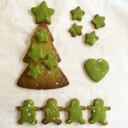 Matcha green tea shortbread cookies with different shapes for the New Year