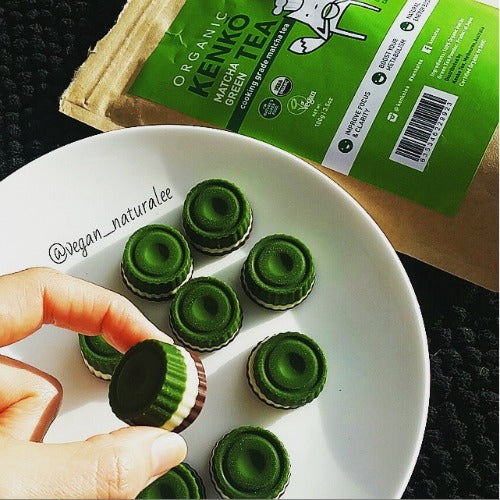 Matcha green tea chocolate raw vegan treats. Easy, quick, vegan, dairy free, sugar free recipe