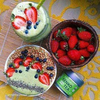 Green tea Smoothie with strawberries from Kenko Tea