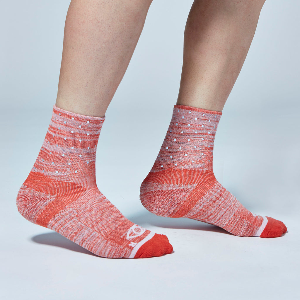 Mini Dot Reflective Quarter Ankle Socks (Red Heather)