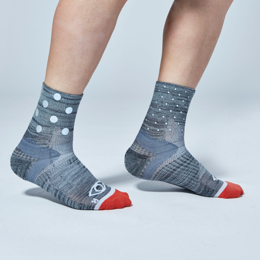 Mix Dot Reflective Quarter Ankle Socks (Gray)
