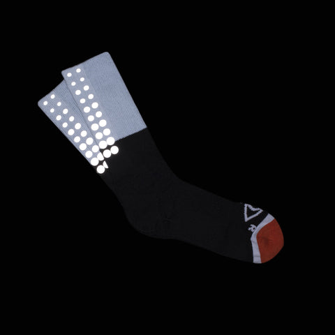 ICNY SPORT Block Fade Gradient Reflective Half Calf Socks (Black)