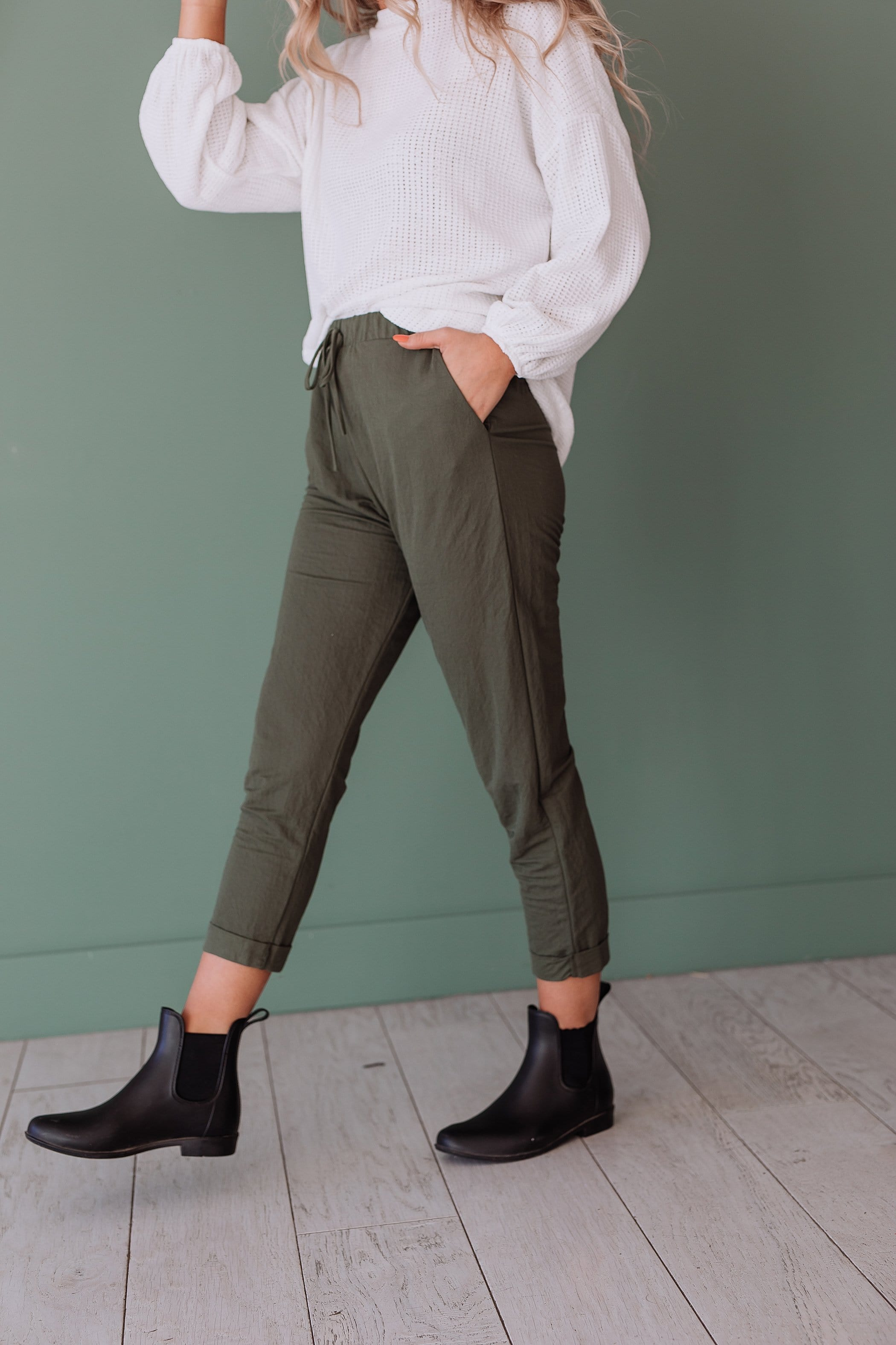 The Kennett Cuffed Pants in Black and Olive