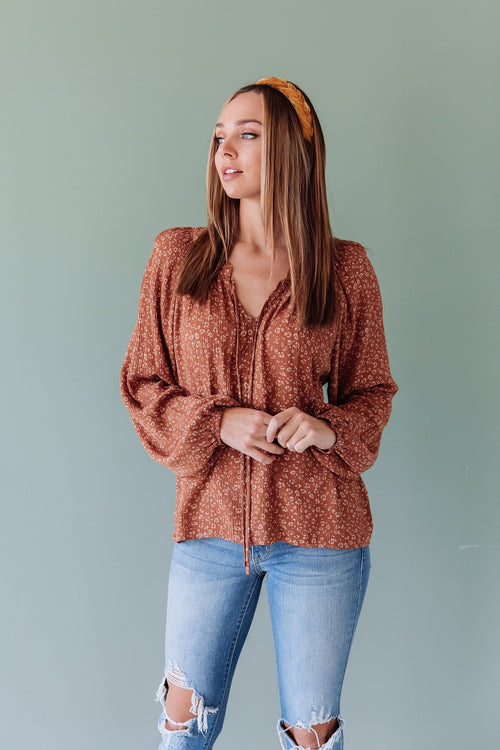 The Kendra Peasant Top in Terra Cotta