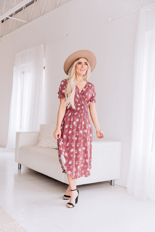 The Scarlett Floral Midi Dress in Mauve