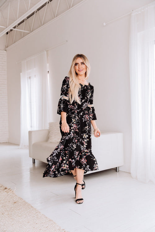 The Maelyn Floral Midi Dress in Black