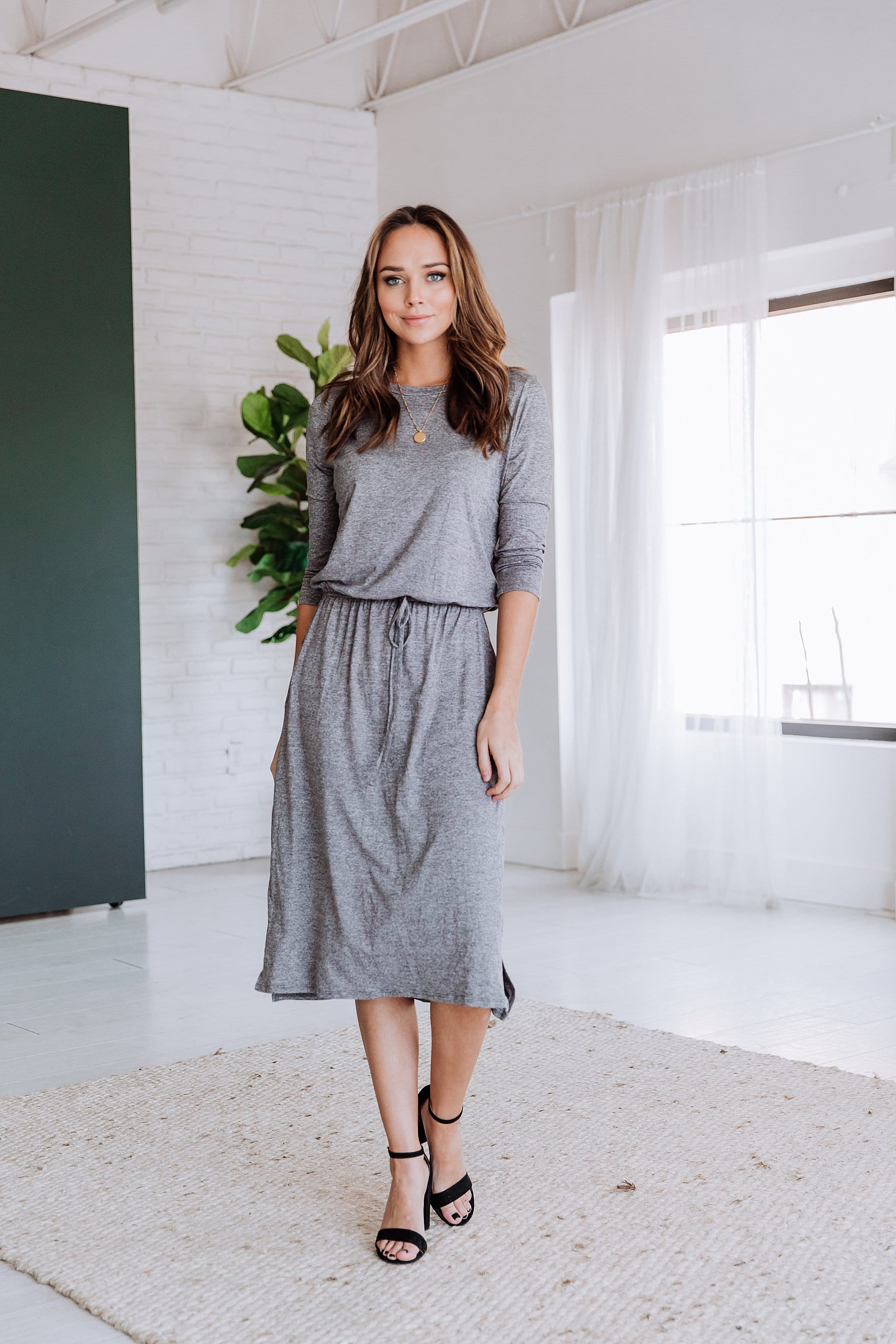 The Hilarie Midi Dress in Heather Grey