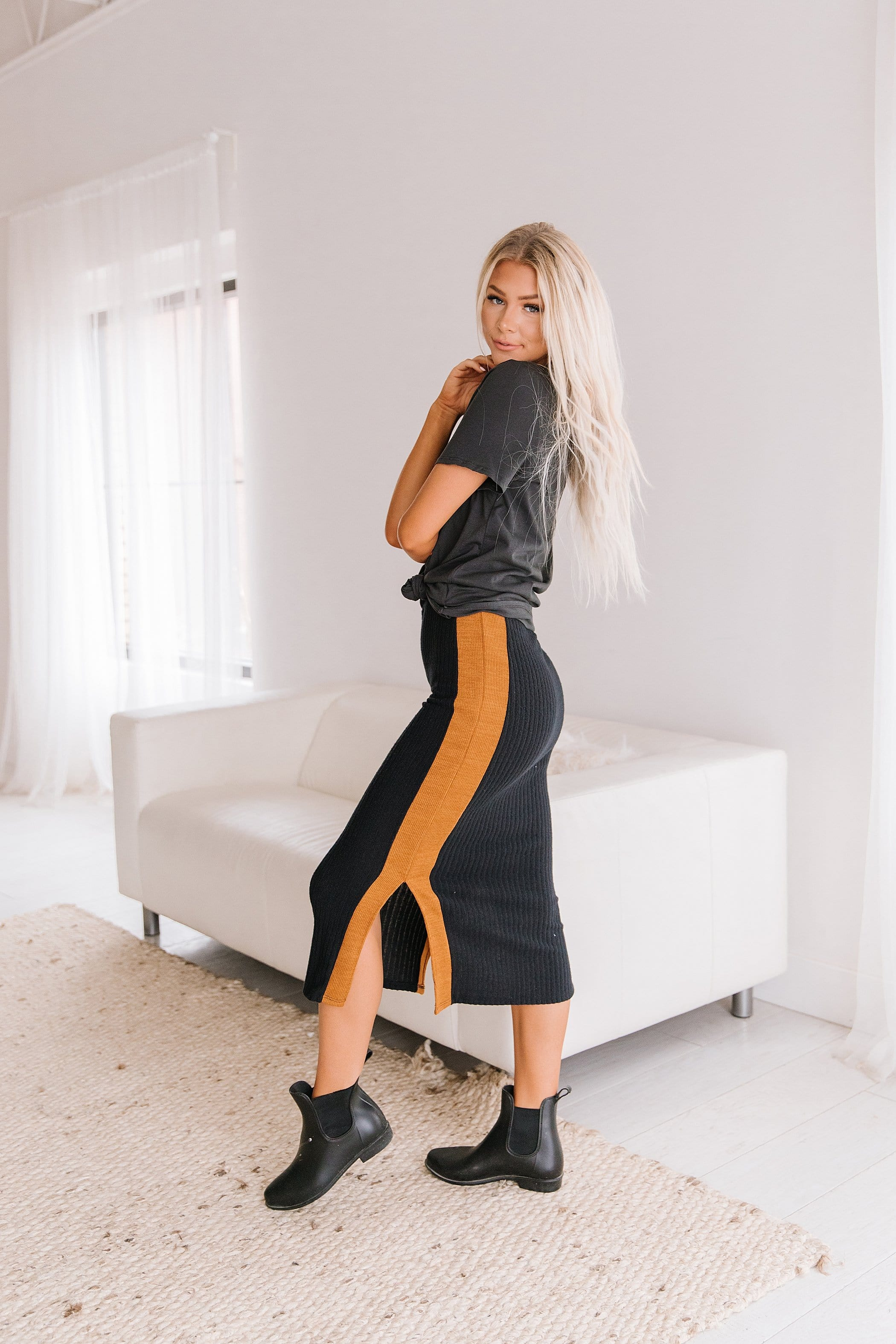 The Veronica Two Tone Pencil Skirt in Black