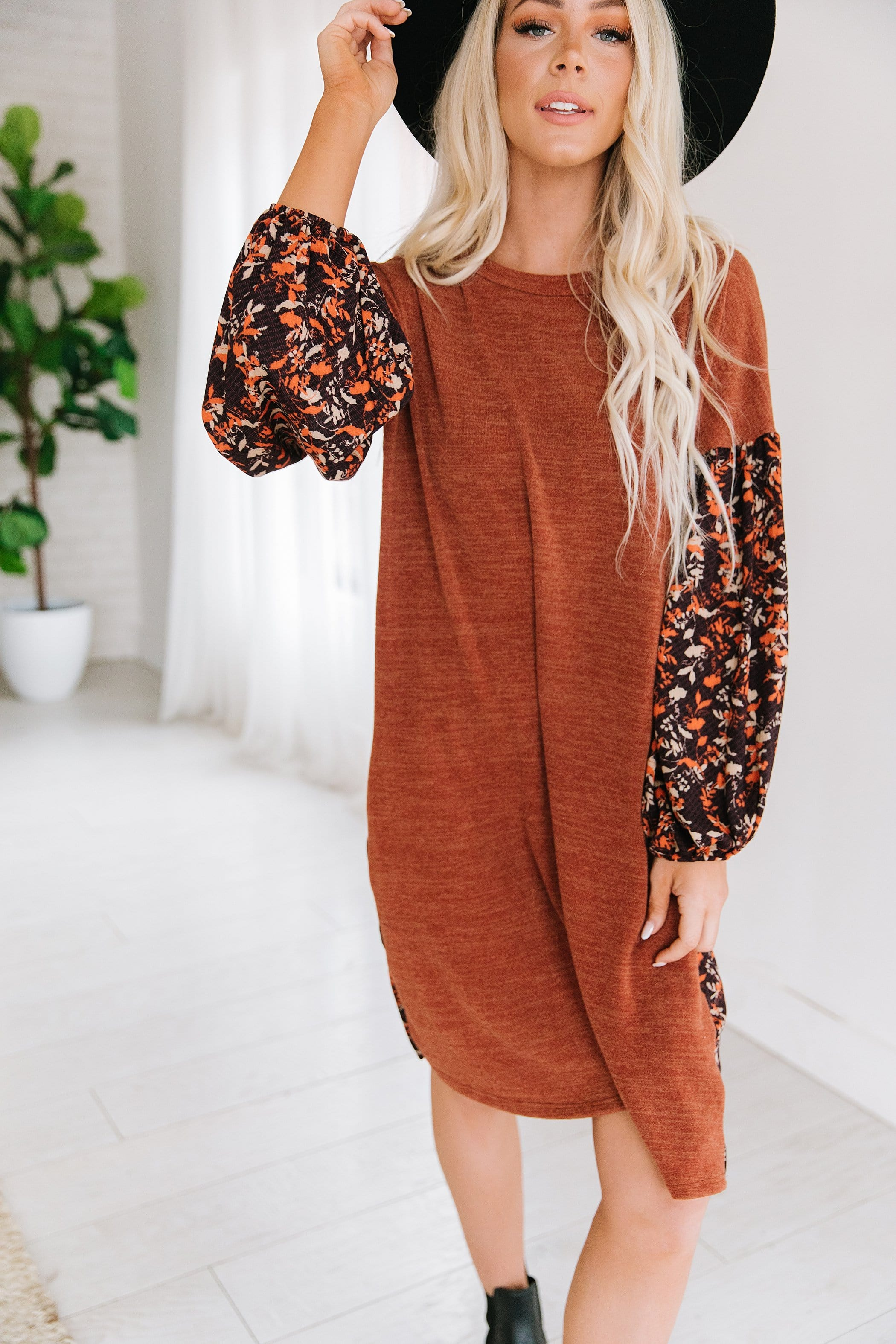 The Fiona Mixed Floral Print Shift Dress in Rust
