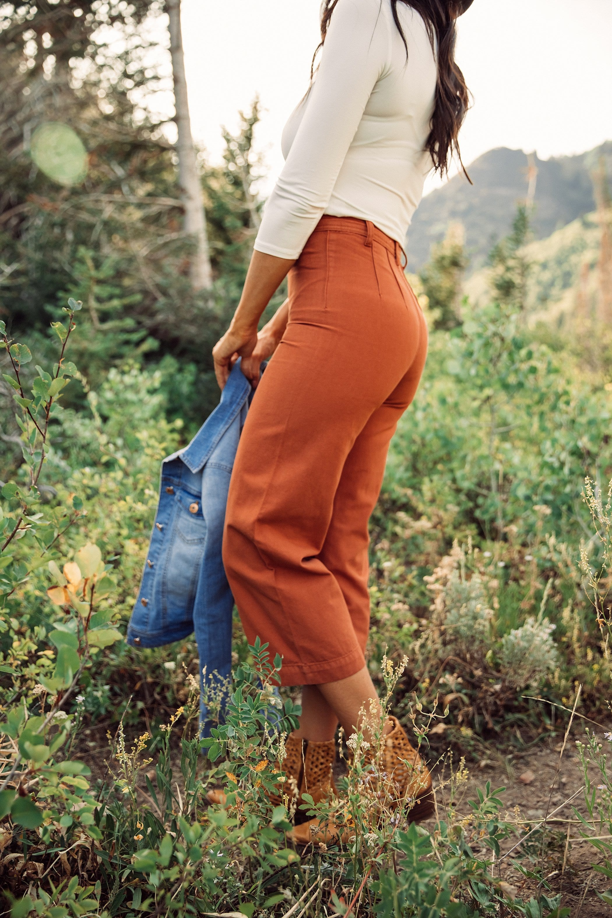 The Alison Wide Leg Cropped Pants in Cinnamon