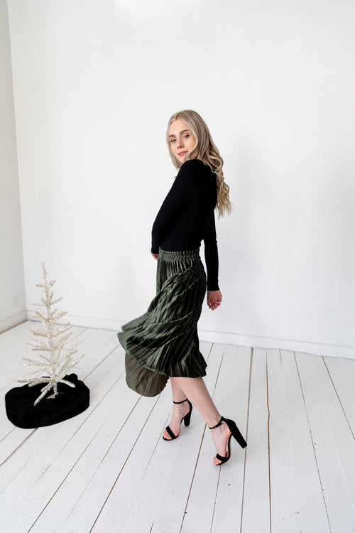 The Catrine Velvet Pleated Skirt in Dark Green and Mocha