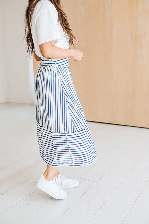 The Charlie Midi Skirt in Navy