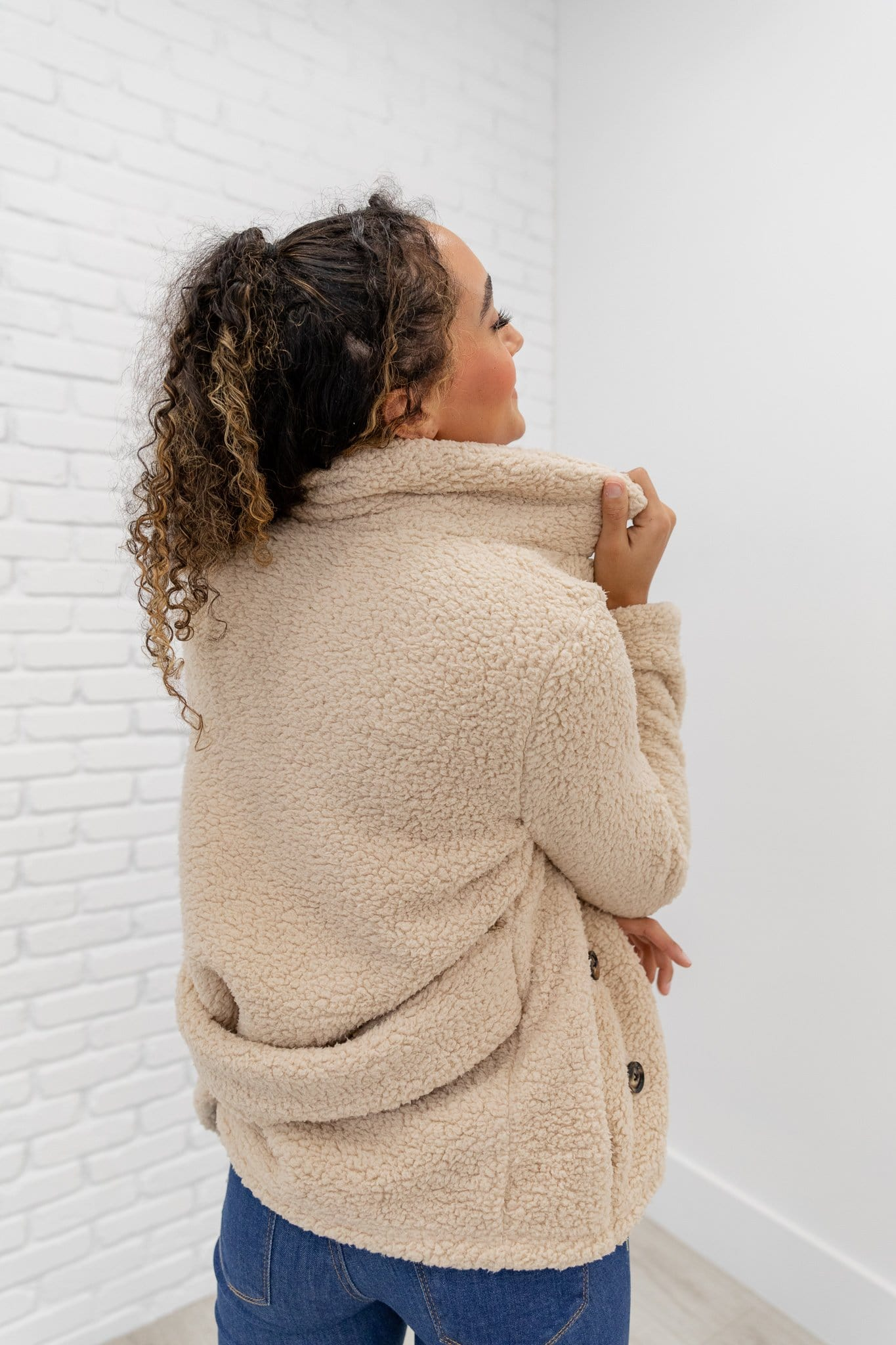 The Eleanor Sherpa Coat in Sand
