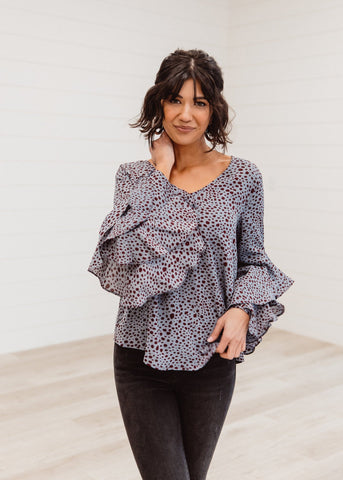 The Country Mountains Graphic Top in Black