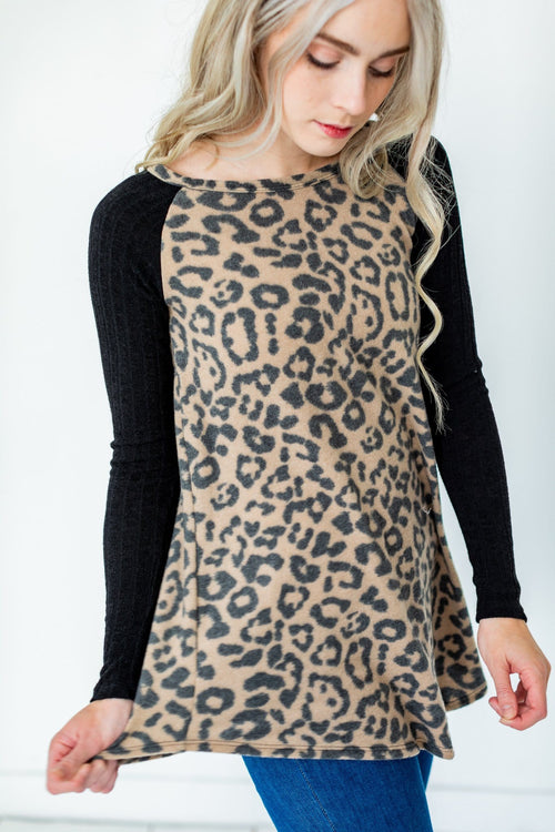 The Lonny Contrast Sleeve Top in Animal Print