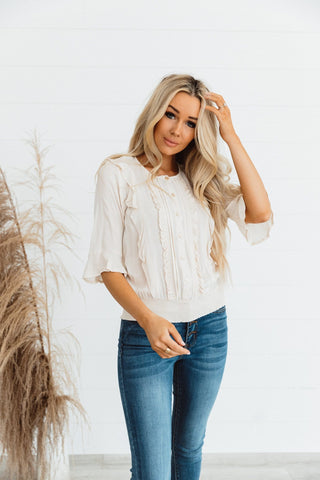 The Evvy Ruffle Sleeve Top in Grey
