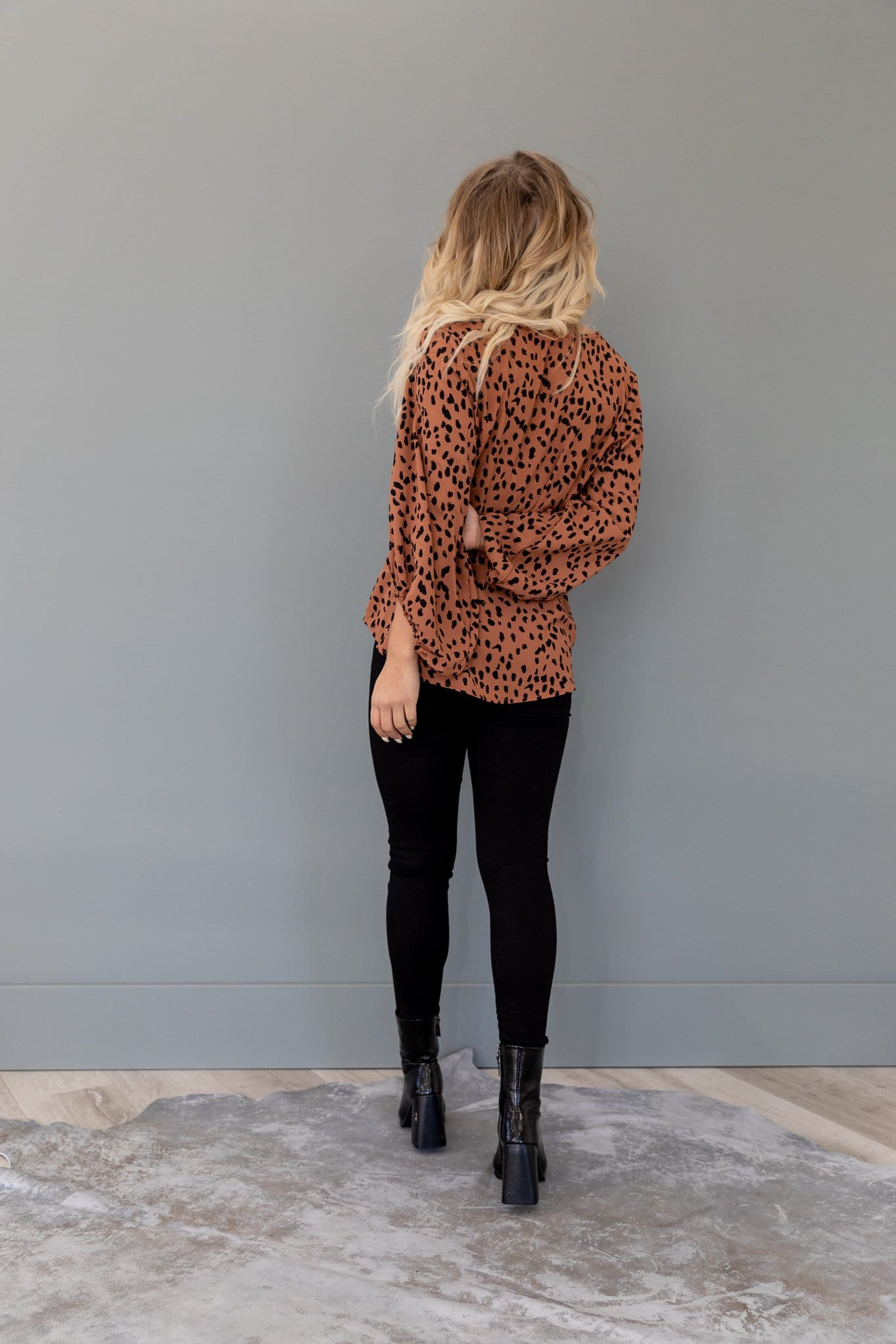 The Reighton Bubble Sleeve Top in Toffee