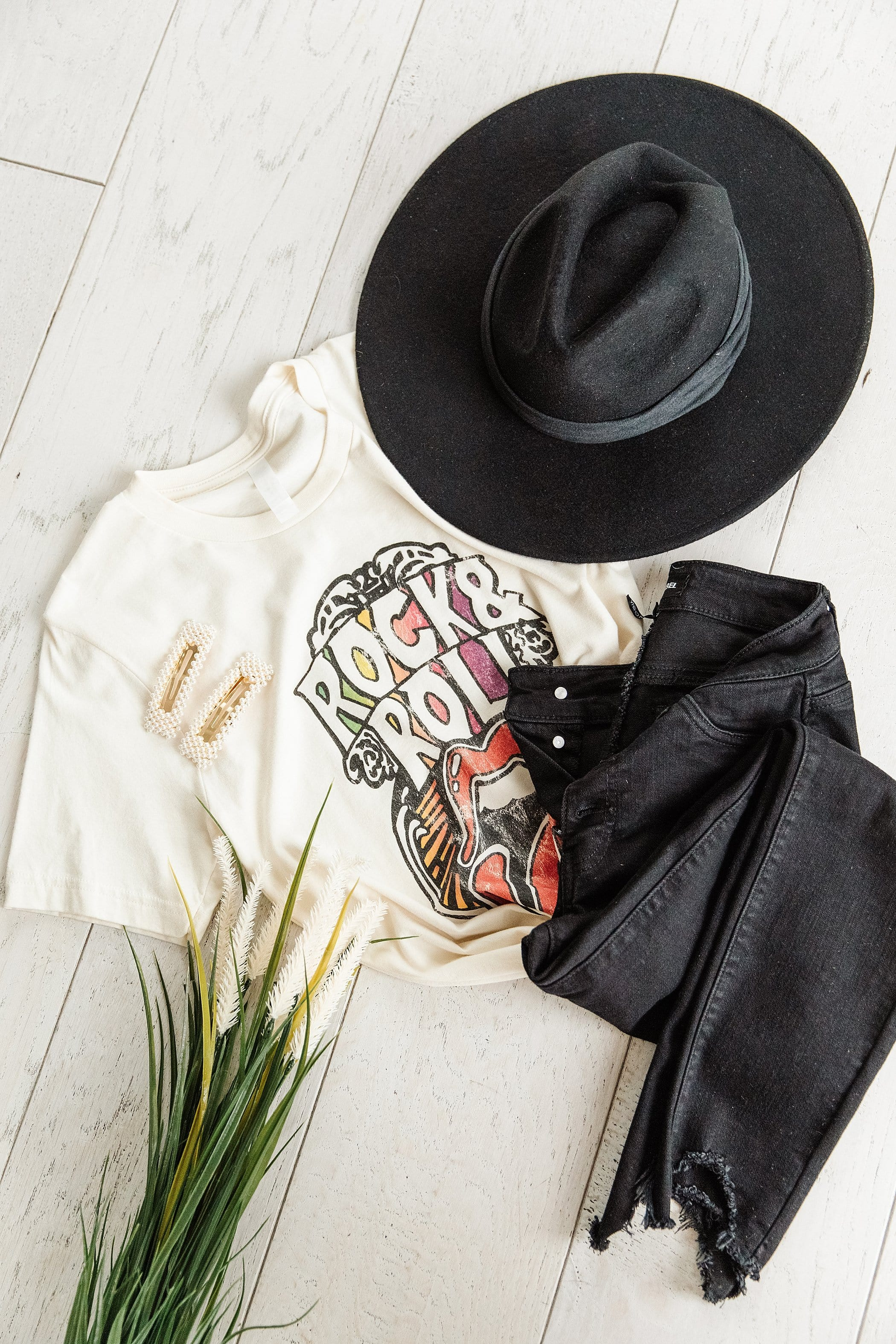 The Rock and Roll Graphic Top in Cream